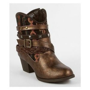 BKE Sole Pluto Studded Aztec Cowgirl Ankle Boots